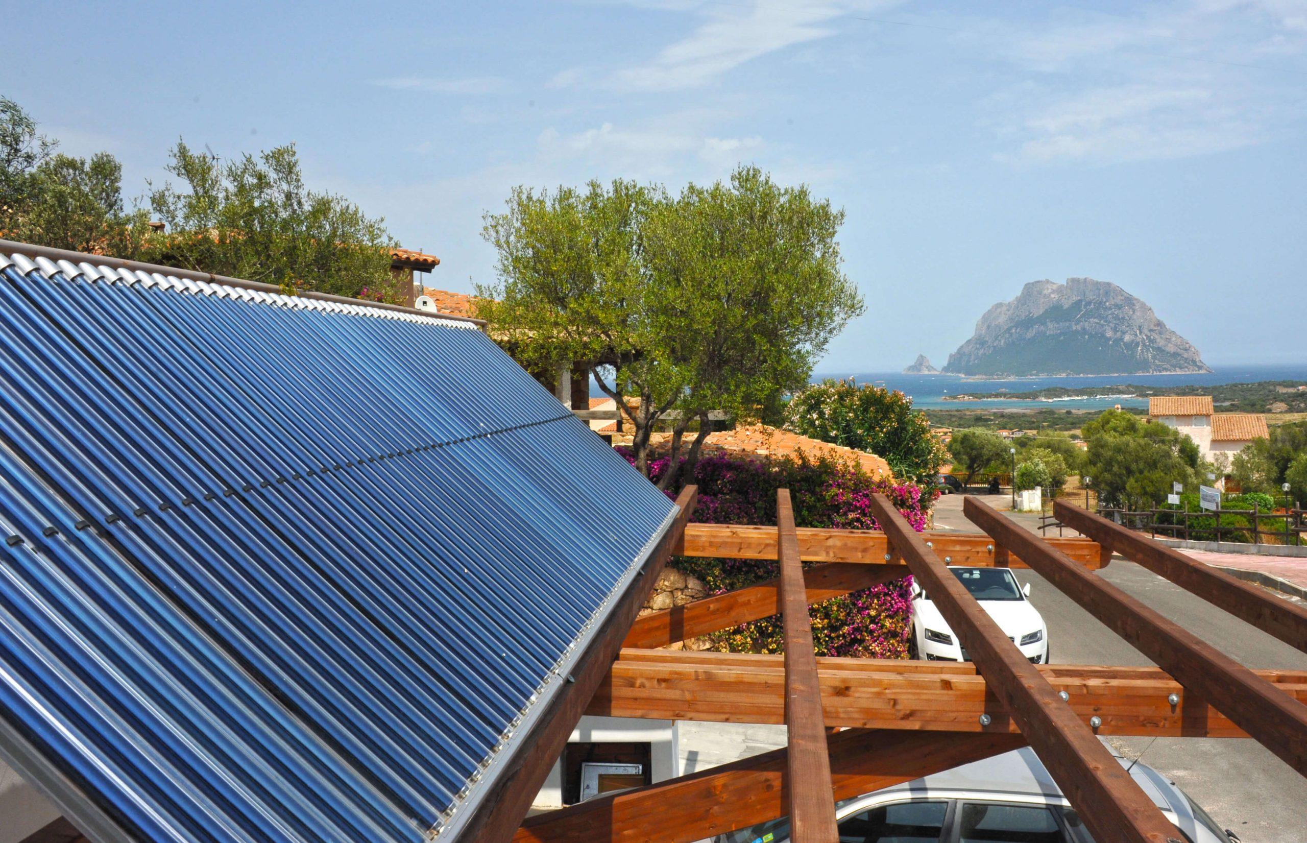 Tubo II & C &T : Innovative Röhrenkollektoren in Sardinien